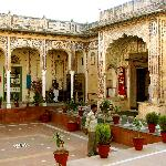 Hotel Indra Vilas