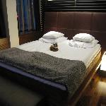 Hotel GLO Corner Suite - bedroom area