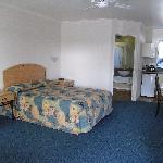Central Motor Lodge room