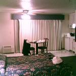 Coral Reef Inn & Suites Foto