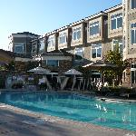 West Inn and Suites pool