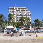 Date is wrong, it is from 12/21/08.  From the beach looking at the hotel
