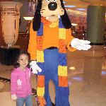 Goofy at the lobby