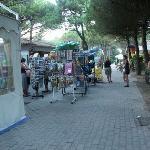 kleiner Supermarkt auf dem Platz