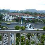 客室からの風景。山側です。反対側は海側なので、もっとナイスビューだと思います。
