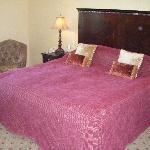Big Comfy King Bed