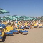 La plage et ses transats