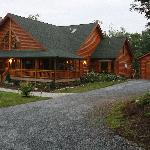 A beuatiful log home near Blue Ridge Parkway