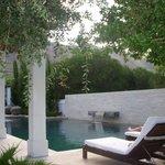 Der Poolbereich (mit sehr netter Bar)