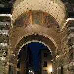 À quelques centaines de pas d'AI Cipressi, on pénètre dans le vieux Lucca par la la Porta Elisa.