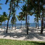 tooer weiträumiger Hotelstrand Coconut Village