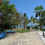 Coconut Village Blick vom Pool/Bar zum Strand