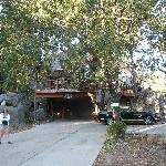 riIn front of the Yosemite Peregne Bed and Breakfast