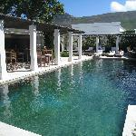Secluded pool, poolbar and after-golf activities.