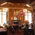 Cinnabar Lounge at Needles Lodge