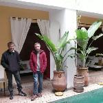 Manel y David, propietarios del Riad
