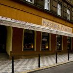 Pizzeria Venezia outside