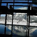 Blick vom Pool Bereich auf die Zugspitze