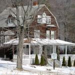 Snowy Deer Park Inn