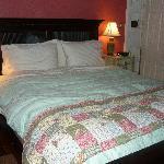 This bed was sooooo COMFORTABLE!