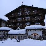 Photo de Hotel Chesa Valese