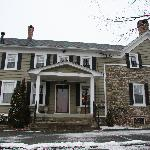 Front view of Maplestone Inn