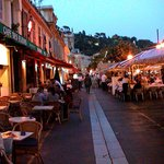 The market is gone, Cours saleya is now for dining
