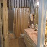 Bathroom in the Bartram room