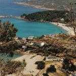 Livadi Beach + Atsachas von Arministis aus