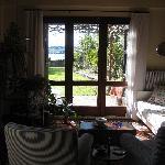 la sala, vista sul giardino