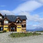 La Hostería al fondo las montañas de Chile