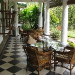 lunch on the veranda Tiensten