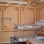 ten-bedded room