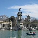 Alfonso monument retiro park
