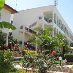 Photo de Seaview Gardens Hotel