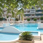 Communal pool of Vinamar V apartments La Mata