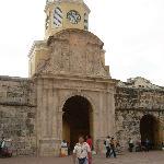 entrada del reloj a la ciudad