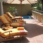 2 bed villa terrace showing plunge pool
