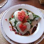Spinach salad with hearts of watermelon and jicama