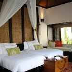 Villa (bedroom)