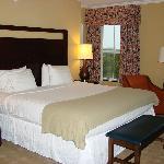 Bedroom-Room 518