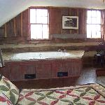 whirlpool and upstairs bedroom in the loft