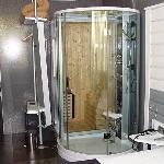 Columna de hidromasaje y sauna de las habitaciones