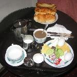 petit-dejeuner servi dans la chambre