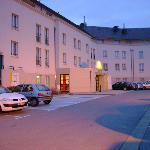 L'hotel vu du parking