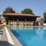 ova resort pool bar
