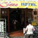 Entrée du Kim Hôtel à Saïgon