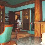 Lounge room, Herald Suites hotel, Makati