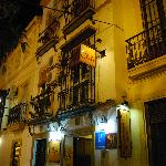 El Giraldillo from the street