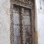 lamu doors